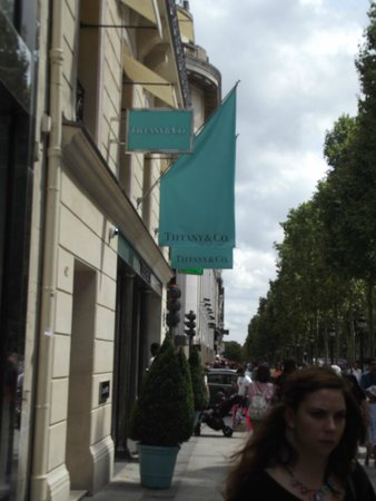 Champs-Elysees: champzs