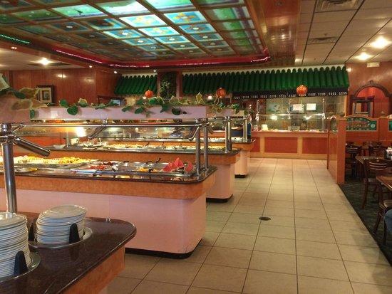 Hong Kong Buffet: Nice buffet bars.