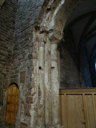 Chester Cathedral: Part of an exposed arch that is Roman