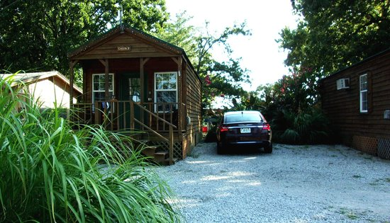 Lee's Grand Lake Resort: Our little cabin