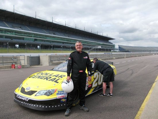 Rusty Wallace Racing Experience : me all suited and booted