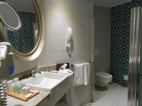 SENTIDO Marina Suites- Adult Only : SDB