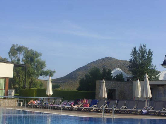 View of the childrens pool bild fr n aparthotel duva for Appart hotel 63