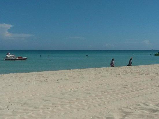 Barcelo Solymar Arenas Blancas Resort: Beach