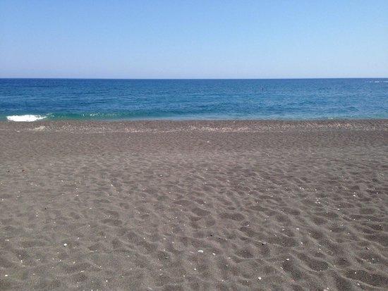 Perissa Beach: Пляж