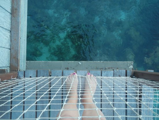 Le Meridien Tahiti : Looking down from the hut balcony