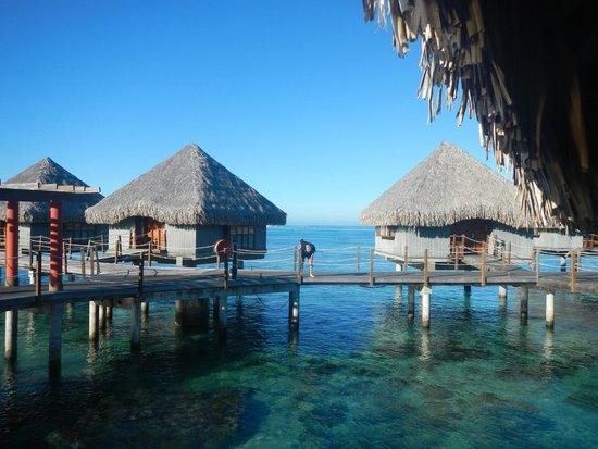Le Meridien Tahiti : The beautiful, over-water huts