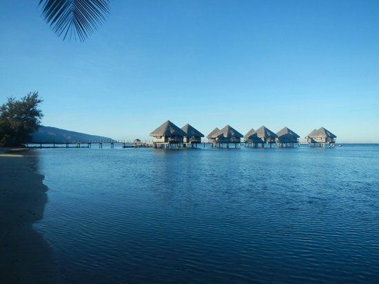 Le Meridien Tahiti: The huts from the hotel beach