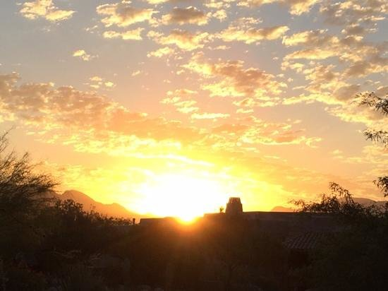 Canyon Ranch in Tucson: Sunrise at the Ranch!