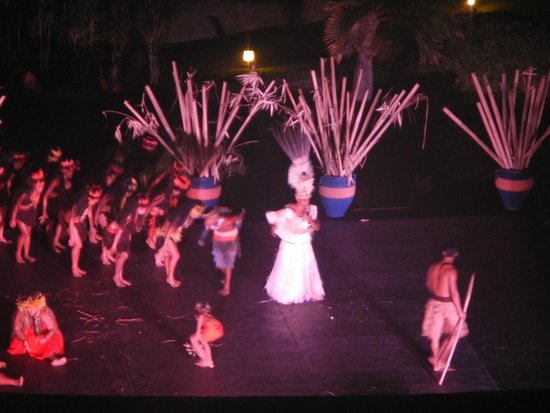 Le Meridien Tahiti: The Tahitian history show as seen from a 5th-floor balcony