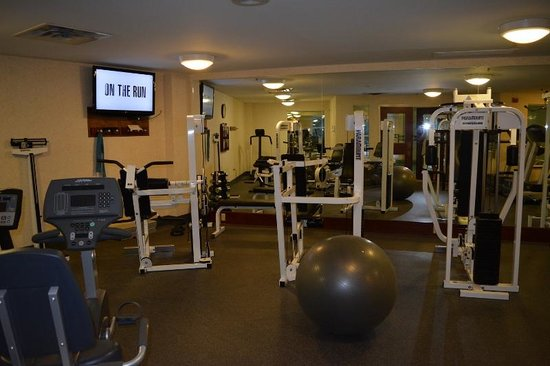 Comfort Inn & Suites Near Burke Mountain: Exercise room