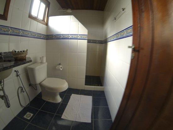 Taipus de Fora, BA: Banheiros