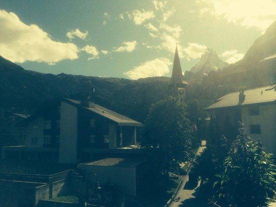 Matterhorn Lodge Hotel & Apartments: Blick vom Zimmer