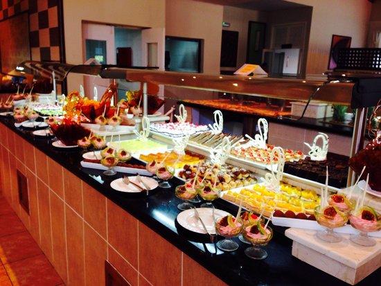 Memories Flamenco Beach Resort : Desserts