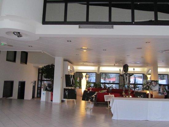Novotel Atria Nimes Centre : Vestíbulo