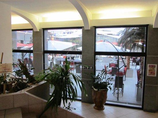 Novotel Atria Nimes Centre : Restaurante y zona desayuno