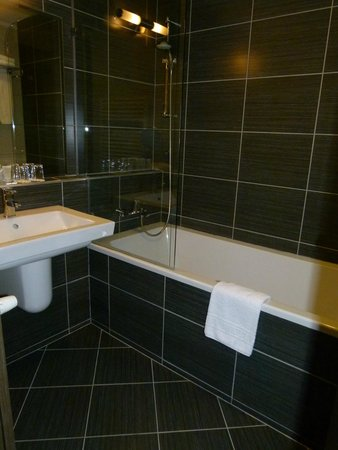 Hotel Regnum Residence: Baño