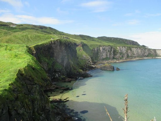 Carrick-A-Rede Rope Bridge: view from the bridge