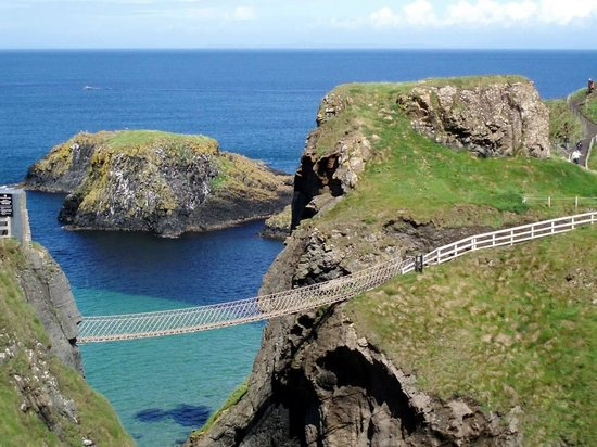 Carrick-A-Rede Rope Bridge: the bridge