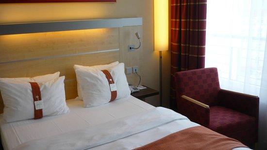 Holiday Inn Express Berlin City Centre: Habitación