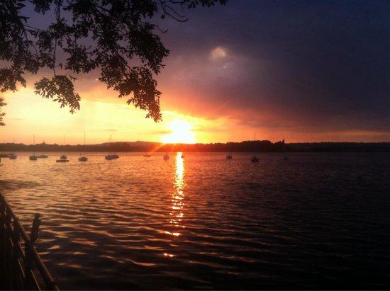 Au Bord de l'Eau : Coucher du soleil sur le grand large (vue du BDO)