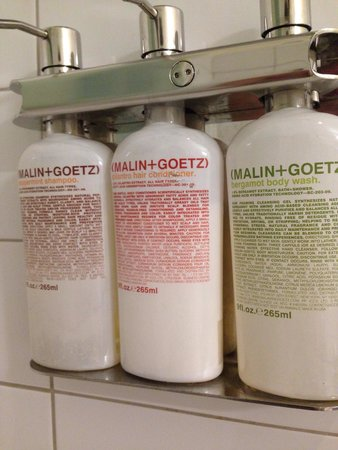 Oakhurst Inn: Quality Bathroom products