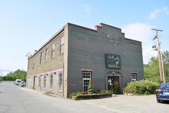 Bailiwicks on Mill: Building on 98 Mill Street