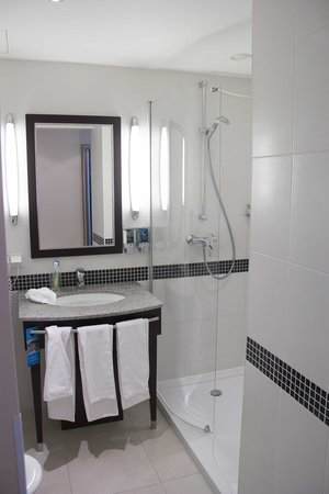 Hampton by Hilton Berlin City West: bagno