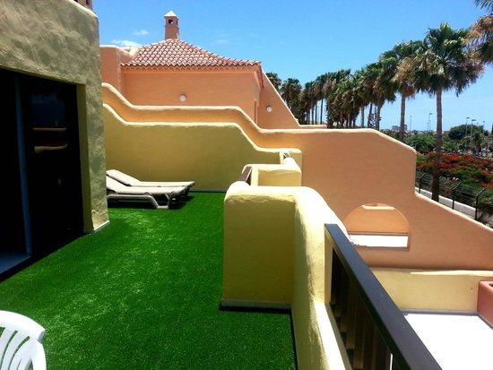 Tagoro Family & Fun Costa Adeje: terrazzo camera