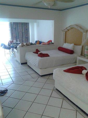 Marina Fiesta Resort & Spa: our room