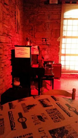 Chez David : Pour les pianistes : laissez-vous tenter, le piano est en libre-service