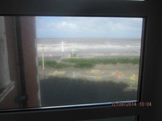 Grand Metropole Hotel: Shame the windows were dirty