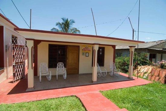 Villa Jorge y Ana Luisa: Front of the casa