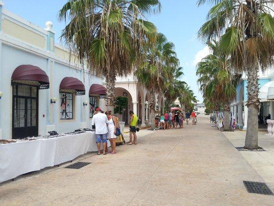 Memories Paraiso Beach Resort : Market