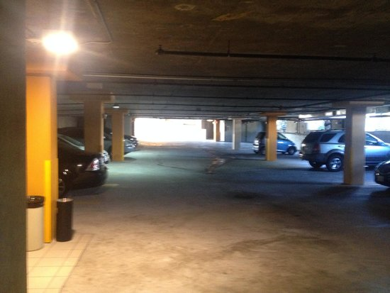 Villa Montes Hotel, an Ascend Collection Hotel: Parking