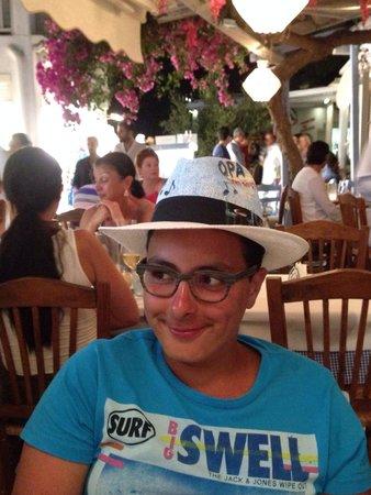 Opa Taverna: Omar
