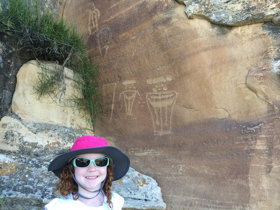 McConkie Ranch : Viewing some petroglyphs on the way to the Three Kings Panel