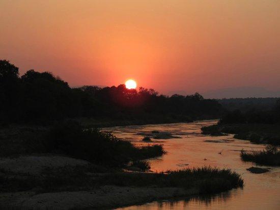 Dulini River Lodge : Sunset in Sabi Sands