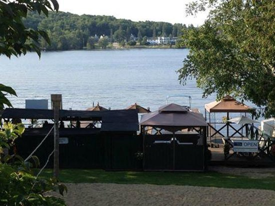 Bonnie View Inn: The view from our room - so peaceful!