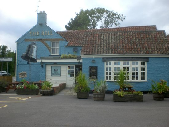 The Bell at Standerwick: The Bell Inn at Standerwick