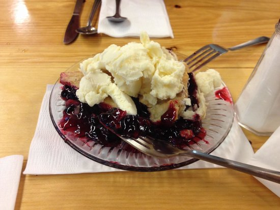 Carolyn's Cafe: Best Huckleberry Pie Ever.
