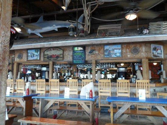 Phillippi Creek Village Restaurant & Oyster Bar: Bar