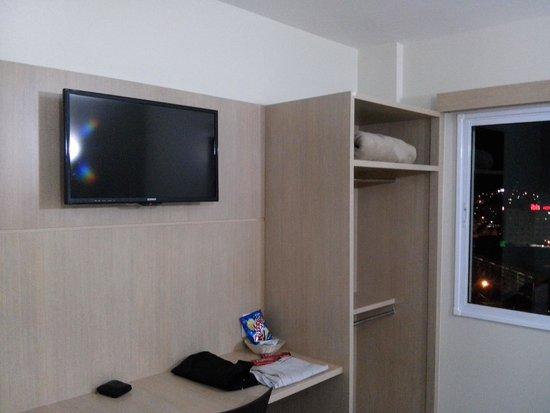 Savana Hotel: TV