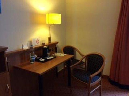 """Hotel Mercure Munich Altstadt: Our """"sitting"""" area"""