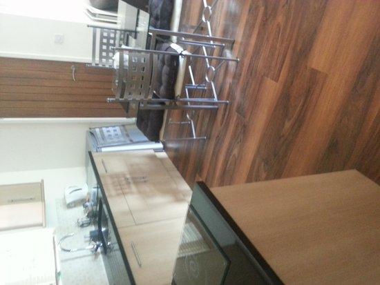 Netherstowe House Hotel: kitchen area
