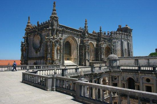 Palace of Bussaco : экстерьеры дворца