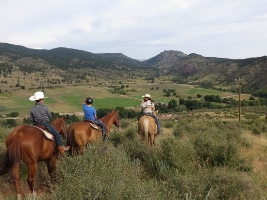 Sylvan Dale Guest Ranch: Morning Breakfast Ride