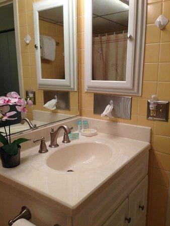 The Beachcomber Resort : Bathroom