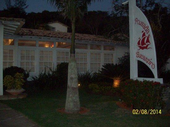 Pousada Bucaneiro: Frente hotel Bucaneiro