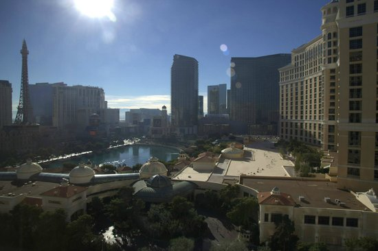 Caesars Palace: Day view from our room on the 33' floor